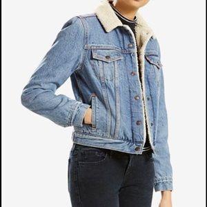 NWT Levi's women's original trucker jacket
